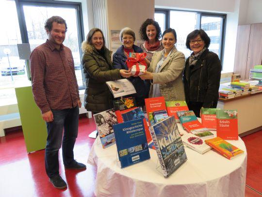 Anschubhilfe für Schulbibliothek des Ostendorfer Gymnasiums
