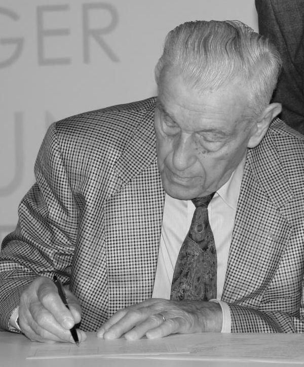 Dr. Alfred Hörauf