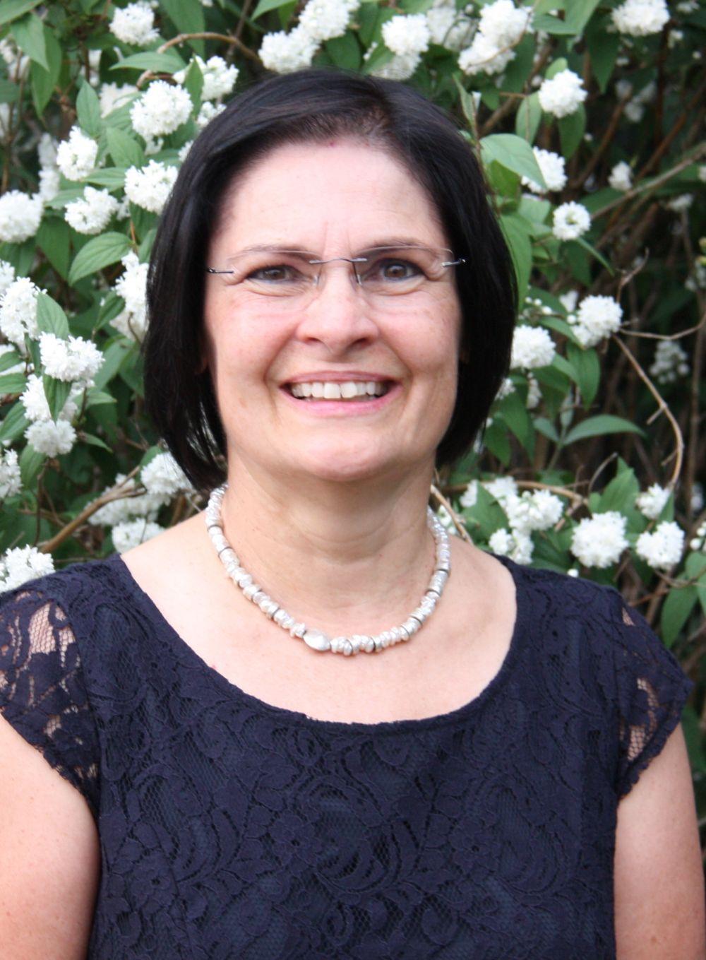 Vera Finn, 2. Vorsitzende